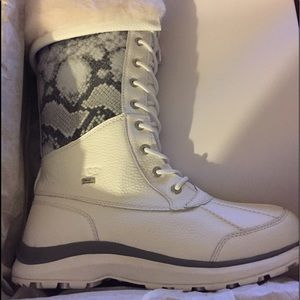 Ugg Adirondack tall 111 snake boots nib
